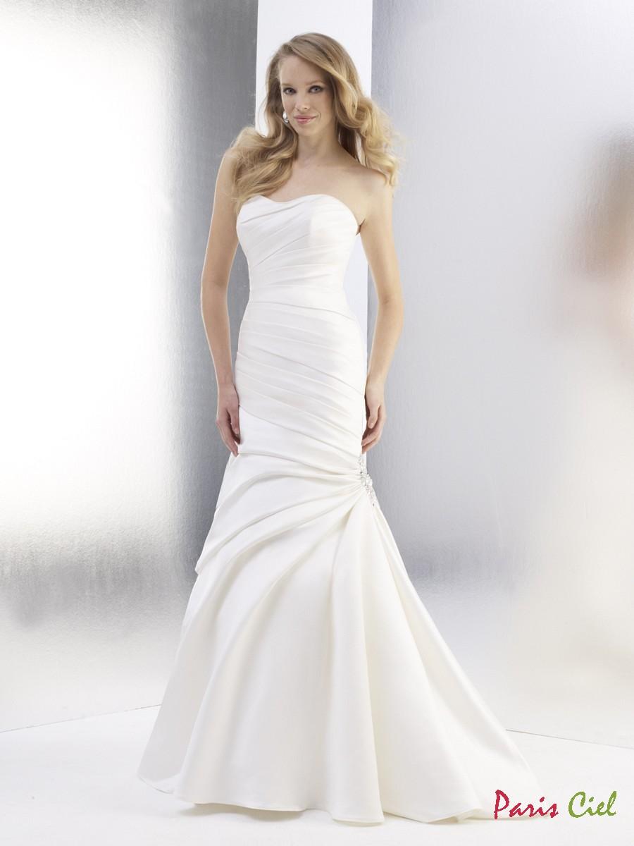 beyaz renk bu yılın modası balık elbise modeli