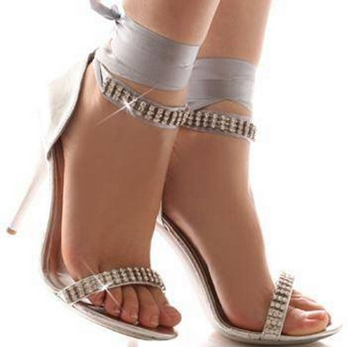 gümüş renkli taşlı gelin ayakkabısı
