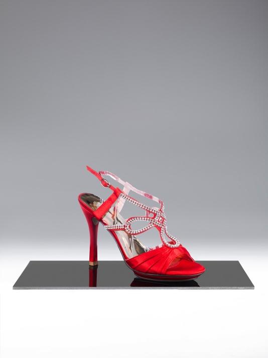 kırmızı taşlı ince topuk ayakkabı modelleri
