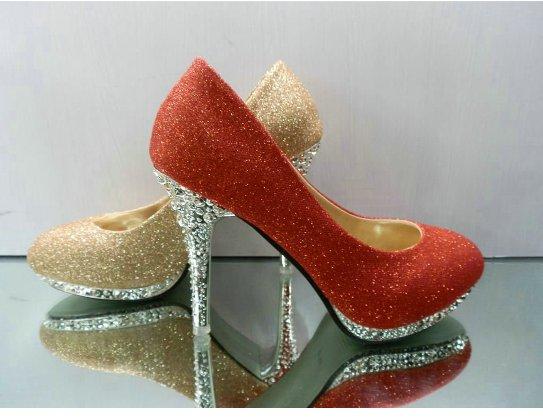 kırmızı topugu taşlı ayakkabı modelleri