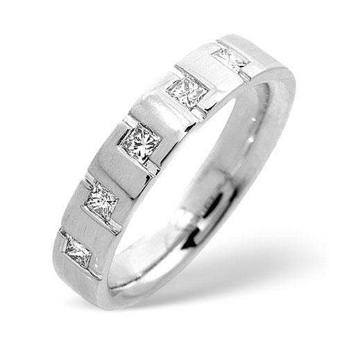 kare taşlı nişan yüzüğü modeli