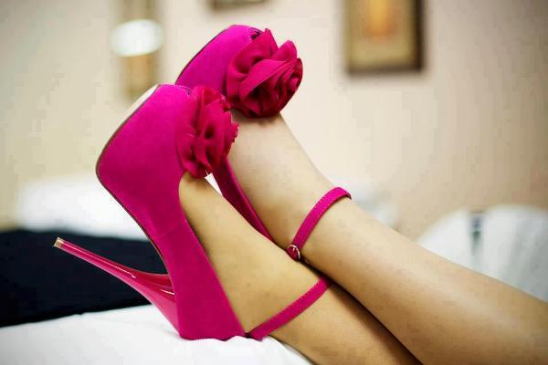 pembe önü gül detaylı platformlu bayan ayakkabı