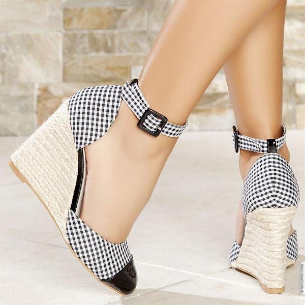 siyah beyaz ekoseli kumaş hasır dolgu topuklu ayakkabı