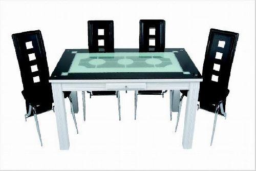 siyah beyaz farklı mutfak masası