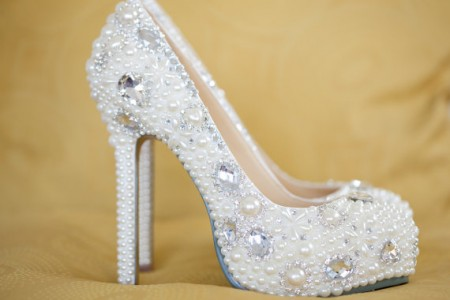 taşlı krem ayakkabı modeli