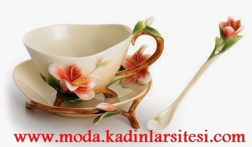 çiçek figürlü çay fincanı modeli