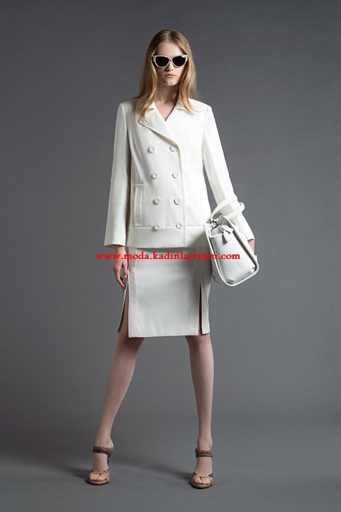 alberta ferretti beyaz ceket etek modeli