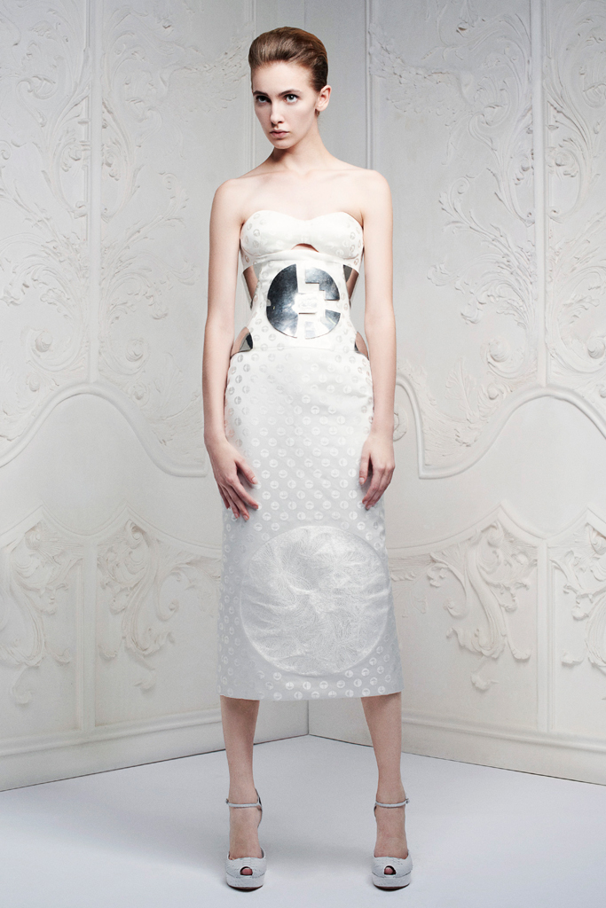 alexander mcqueen gümüş elbise modeli