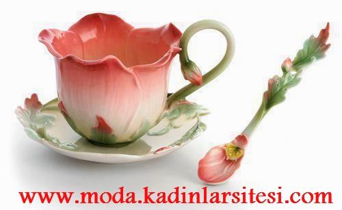 gül figürlü çay fincanı modeli