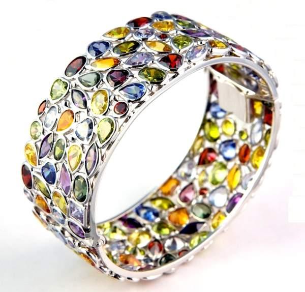 gümüş renkli taşlı bielklik modeli