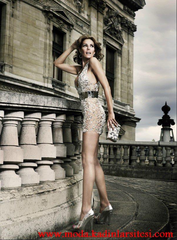 krem kemerli mini gece elbisesi modeli