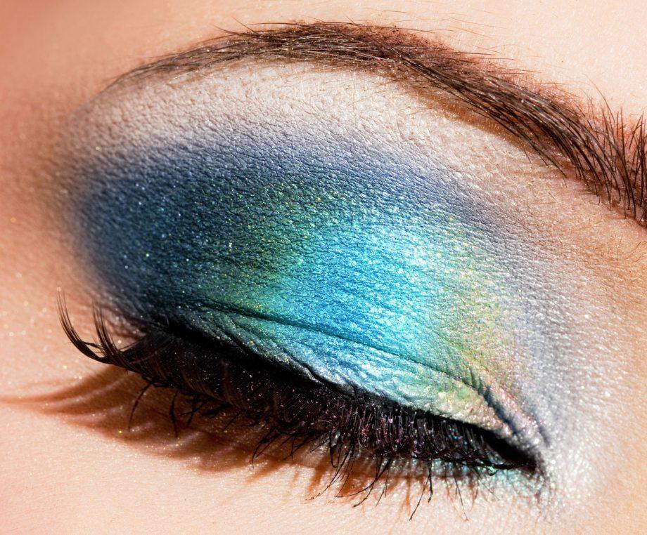 mavi tonları göz makyajı