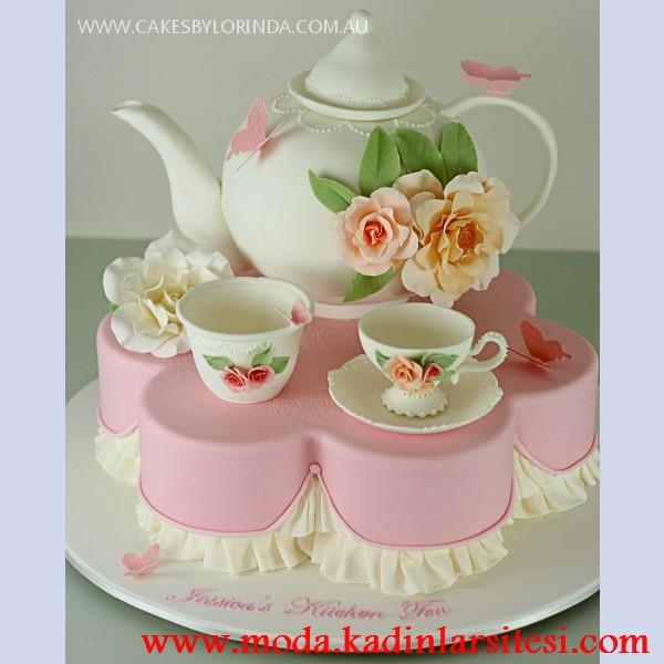 renkli güllü çay fincanı modeli