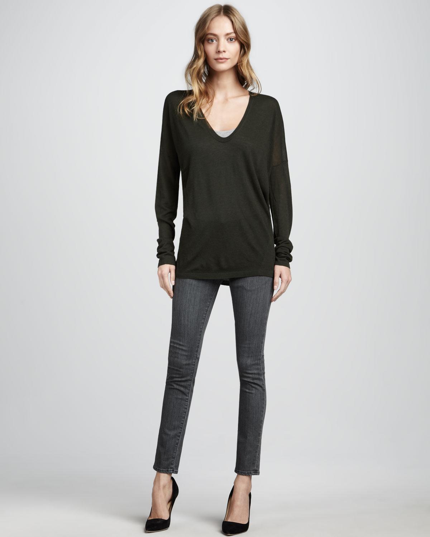 siyah V yaka kazak ve füme pantolon takımı