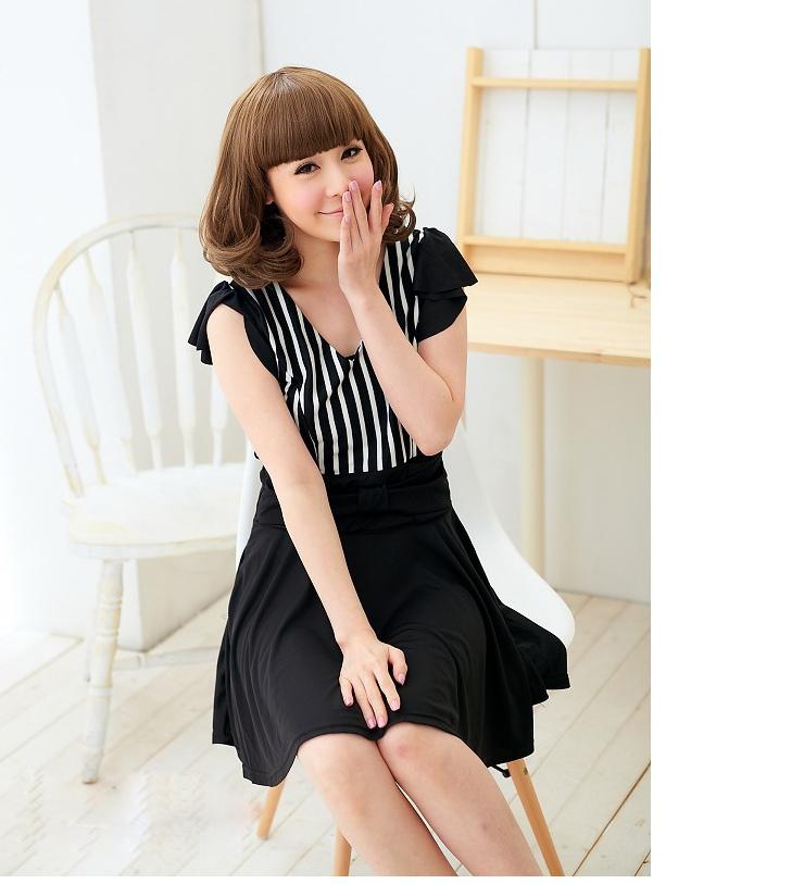 siyah beyaz çizgili elbise modeli trend