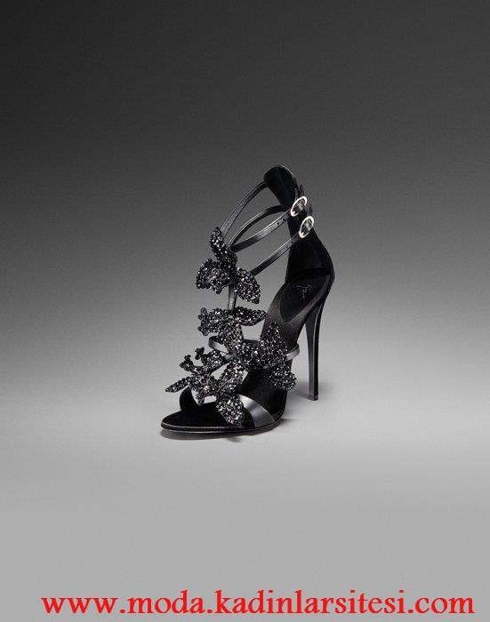 siyah kelebekli ayakkabı modeli