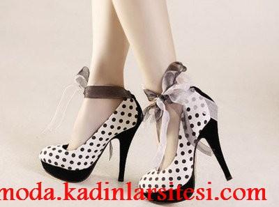 siyah puantiyeli ayakkabı modeli