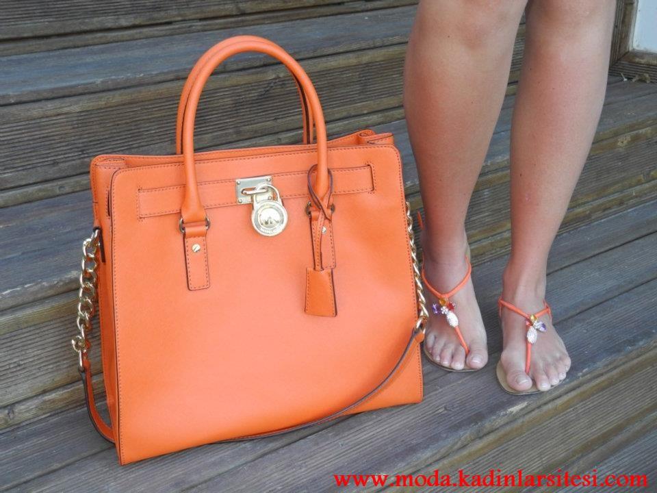 turuncu kilitliçanta modeli