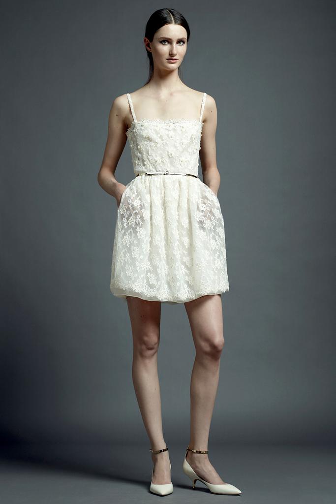 valentino beyaz dantel elbise modeli