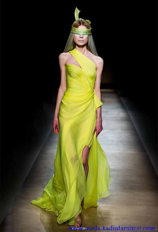valentino neon yeşil gece elbisesi modeli