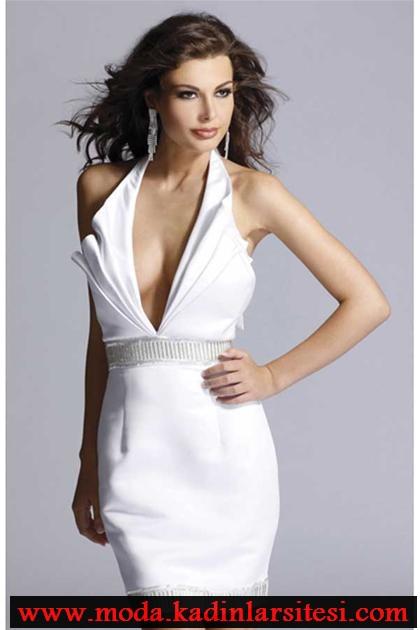 beyaz pilikaşe detaylı mini gece elbise modeli
