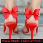kırmızı fiyonk detaylı ayakkabı modeli