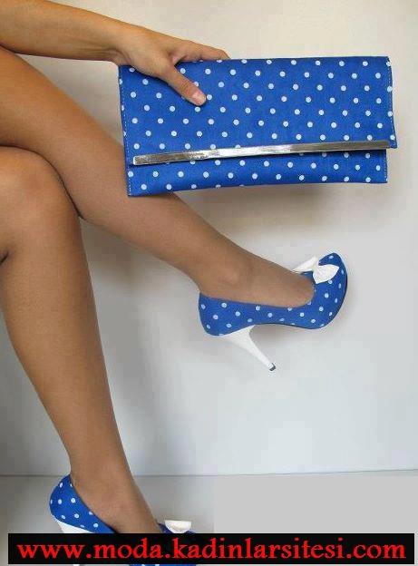 mavi beyaz puantiyeli ayakkabı modeli
