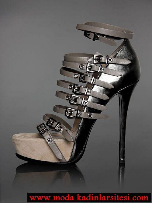 metailk bantlı stiletto modeli