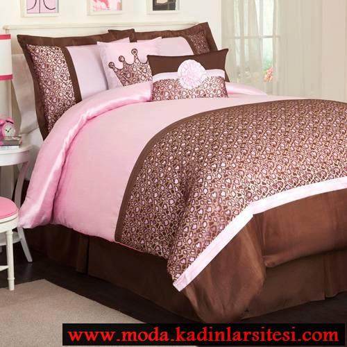 pembe kahve yatak örtüsü modeli