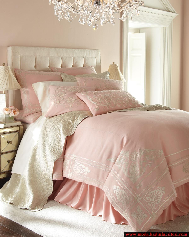 pembe yatak örtüsü modeli