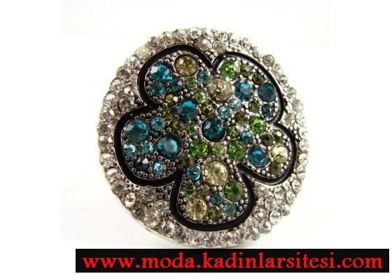renkli taşlı çiçek figürlü yüzük modeli