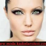 sıra dışı eyeliner göz makyajı modeli
