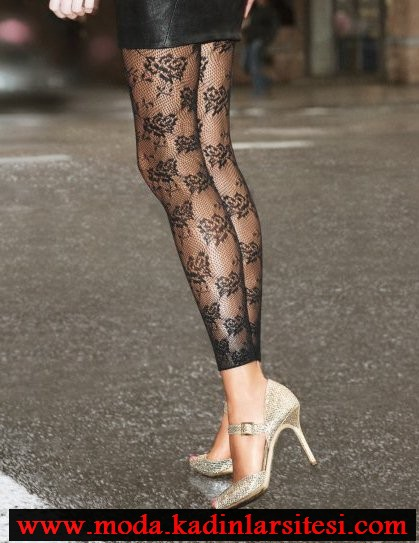 siyah dantelli file çorap modeli