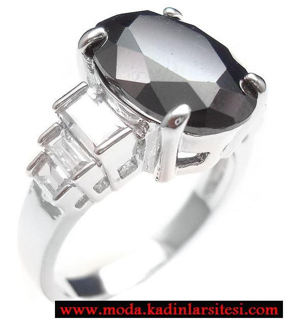 siyah yuvarlak taşlı yüzük modeli