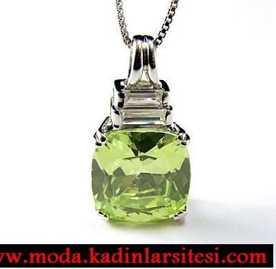 yeşil kare taşlı kolye ucu modeli
