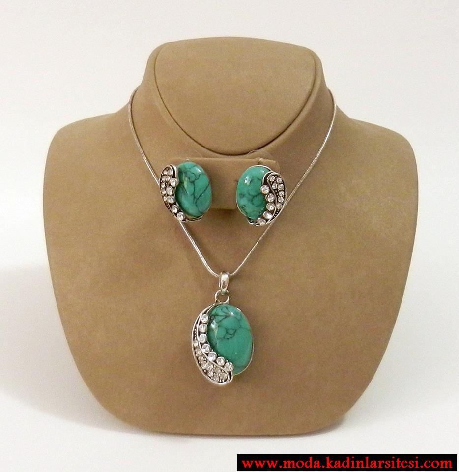 yeşil taşlı kolye seti modeli