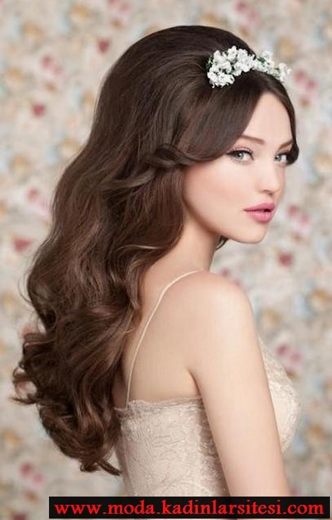 aksesuarlı havalı saç modeli