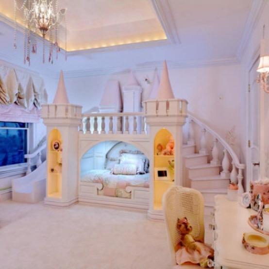 şato figürlü görkemli çocuk odası modeli