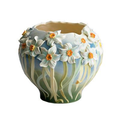 kase figürlü çiçekli vazo modeli